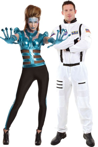 halloween-couples-costumes-astronaut-alien