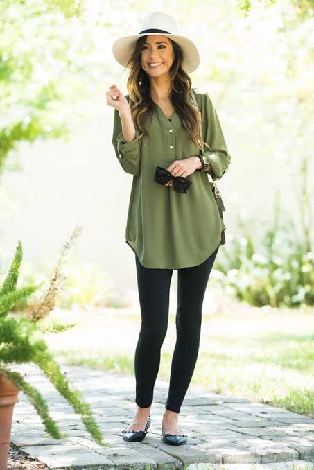 Tunic-and-legging-combo-to-hide-belly-bulge