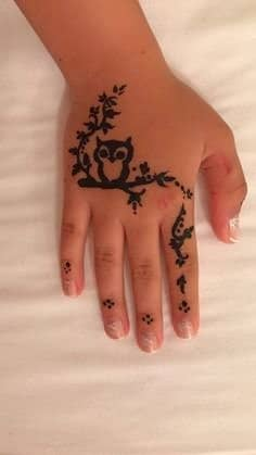 Simple-Mehndi-Designs-for-Kids-5